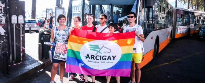 """Giornata contro l'omofobia, Arcigay: """"Casi segnalati in aumento, allarme baby gang. Politici tra i responsabili di hate speech"""""""