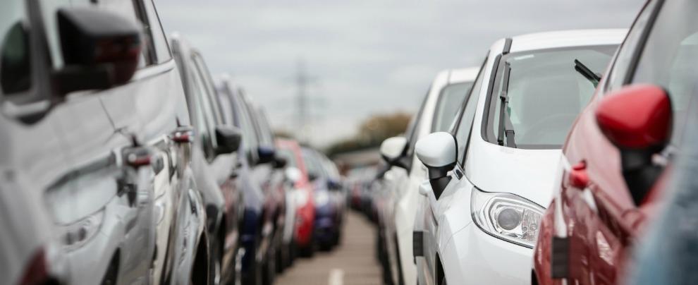 Mercato auto, il 2018 si chiude con un -3,1% di immatricolazioni in Italia
