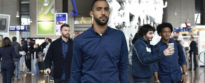"""Rai, insulto razzista in cuffia a Benatia: """"Marocchino di m…"""". Poi lascia il collegamento"""