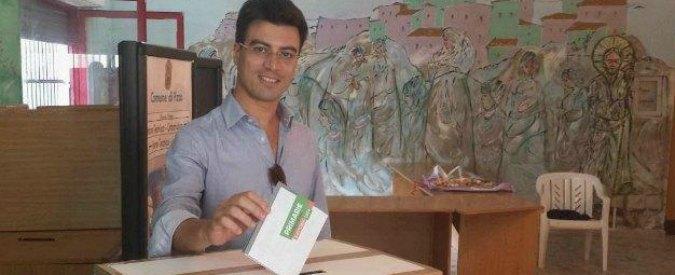 """Calabria, candidato renziano: """"Dammi una mano"""". E il ras del Cara indagato per 'ndrangheta """"convoca i suoi"""" alle primarie Pd"""