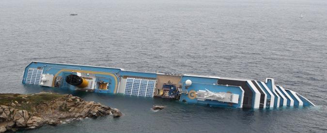 Schettino, l'indagine su Norman Atlantic e Moby Prince: il 2017 è l'anno della verità per le vittime delle tragedie del mare