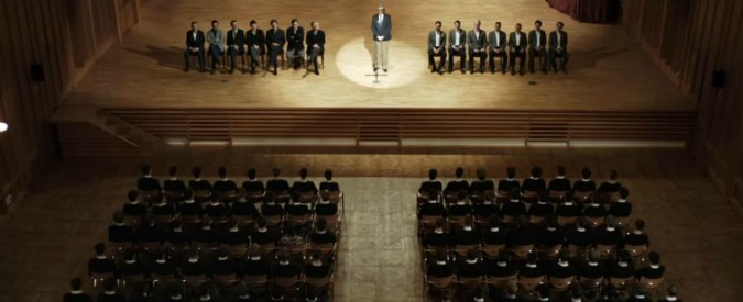 Fragili, insicuri e spietati: Andrea De Sica descrive una generazione. Diventerà mai la futura classe dirigente?