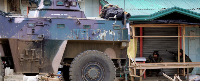 Filippine, militanti Isis assediano la città di Marawi: 21 morti, scontri a fuoco nelle strade e gruppo di cattolici in ostaggio