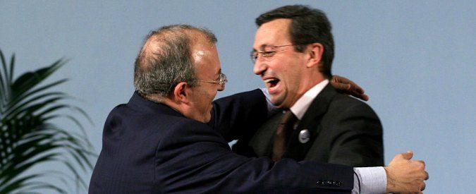 """Accuse a Fini, Storace e la """"Blue Whale"""" della politica"""
