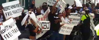 """Sint Maarten, estradizione del re delle slot Corallo. I dipendenti protestano davanti al tribunale: """"Free Francesco"""""""