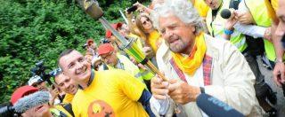 """Marcia reddito cittadinanza M5s, Grillo: """"I soldi per farlo ci sono"""". Renzi: """"Devasta l'articolo 1 della Costituzione"""""""