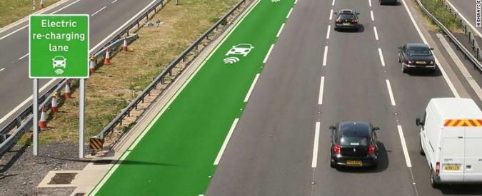 Auto elettriche, in futuro faranno il pieno di energia in viaggio. Ma converrà?