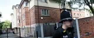 """Manchester, allerta scende da livello critico a """"severo"""". Altri due arresti per la strage: braccata la cellula"""