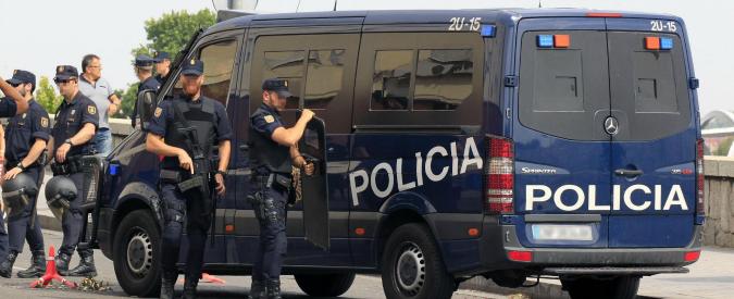 Marbella, auto sulla folla ferisce sette persone. Allarme terrorismo, ma è una rissa tra ubriachi
