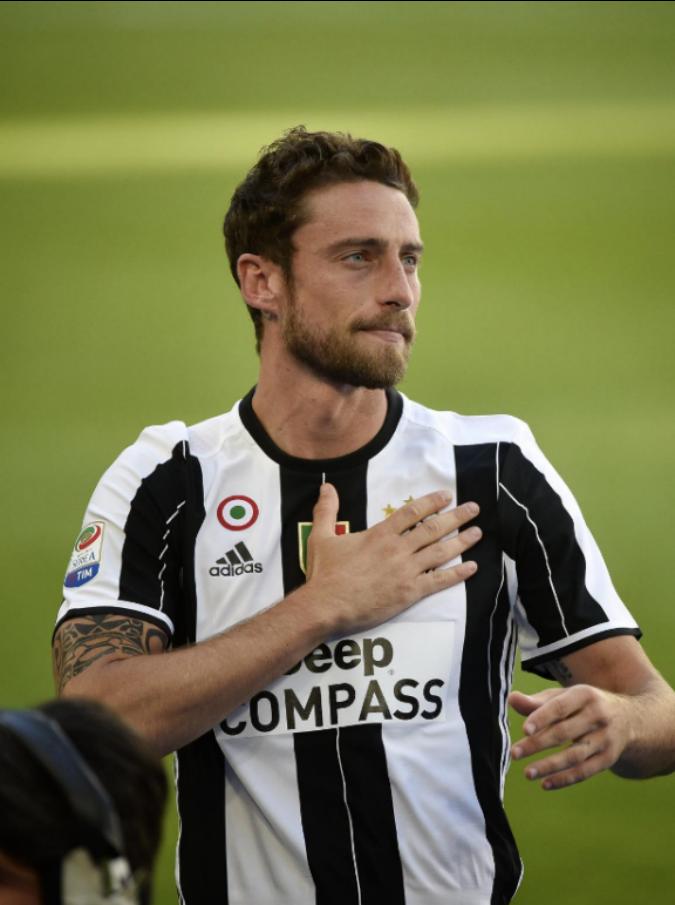 """Claudio Marchisio, il suo post sulla tragedia dei migranti scatena polemiche: """"Pensa alla Champions che è più importante de sti 4 monnezzari"""""""