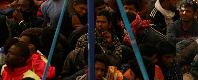 Migranti, 245 dispersi in mare nel week-end. Donna muore di parto in Libia. Figlio e padre in Italia