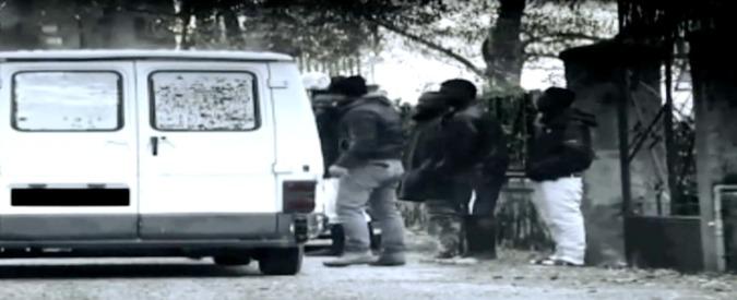 Centri di accoglienza sfruttano migranti nei campi della Sila: 14 arresti nel Cosentino