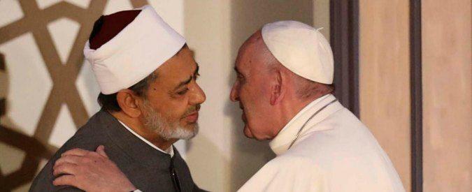 Francesco in Egitto rafforza l'asse Vaticano-Cairo-Teheran per isolare il terrorismo del Califfato