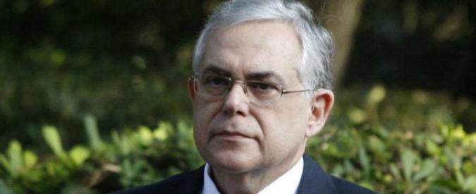 """Grecia, ordigno esploso dentro l'auto dell'ex premier Papademos: """"È ferito gravemente"""""""