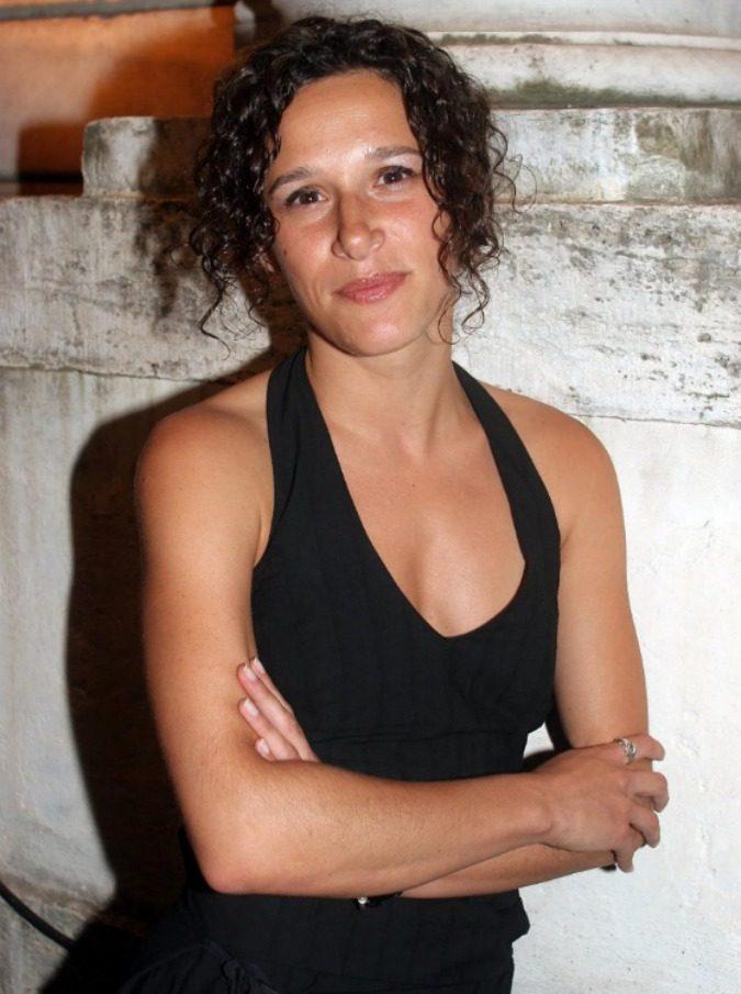 """Valeria Parrella, la scrittrice che parla alle donne: """"Le ragazze di oggi? Confuse. Hanno un'idea edulcorata del sesso ma mandano foto di tette sui cellulari"""""""