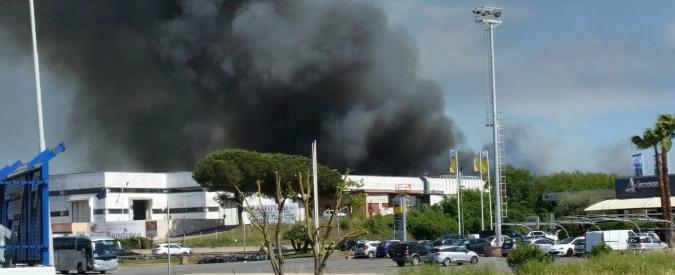 Incendio a Pomezia, chi pagherà? E per quale reato?