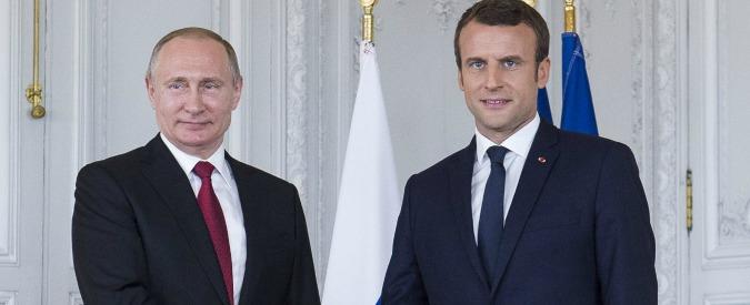 Macron incontra Putin a Versailles: tensioni sulle interferenze russe nella campagna elettorale per l'Eliseo