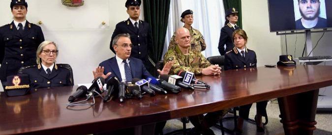 Milano, l'aggressore della stazione centrale e i video inneggianti all'Isis. I pm lo indagano per terrorismo internazionale