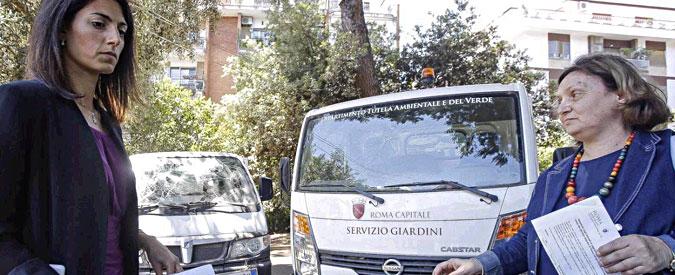 """Roma, ottavo raid in 15 giorni contro sedi e mezzi del servizio giardini. Raggi: """"Attacco coordinato"""""""