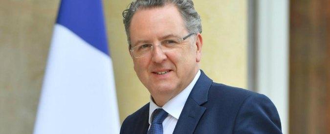 """Francia, primi guai per Macron: ministro Ferrand """"diede appalto alla compagna"""""""