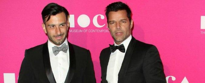 Utero in affitto, ecco perché Fusaro ha torto sul desiderio di paternità di Ricky Martin