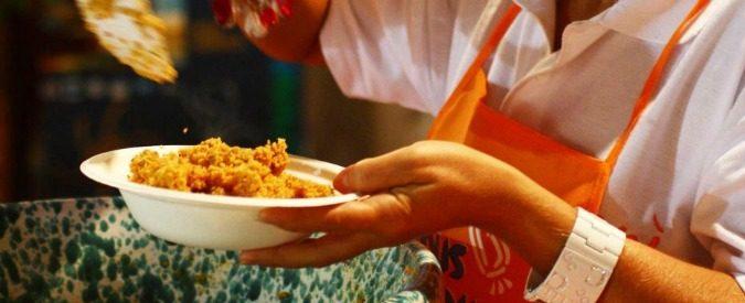 Feste scolastiche e sagre di paese: troppi soldi, troppo cibo, troppi rifiuti