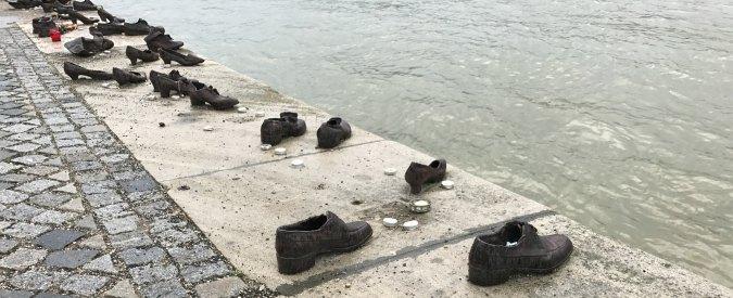 Ungheria, 60 paia di scarpe di bronzo in riva al fiume per ricordare