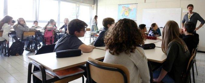 """Bergamo, preside patteggia 4 mesi: """"shampoo"""" agli studenti e cartelli umilianti"""