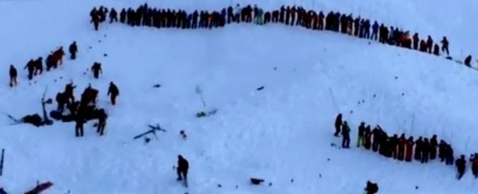 Francia, tre escursionisti muoiono travolti da una valanga in Savoia