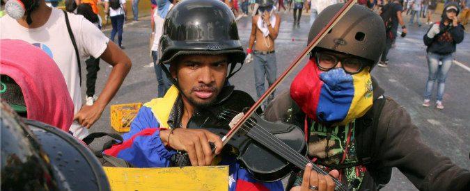 Venezuela, golpe con Nutella: se vuoi mangiarla lancia una molotov