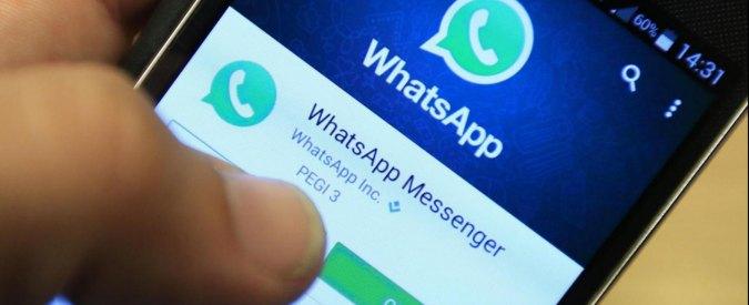 """Whatsapp, multa antitrust da 3 milioni di euro: """"Ha indotto utenti a condividere dati con Facebook"""""""