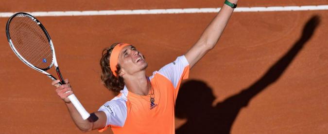 Internazionali di tennis, il 20enne Zverev batte Djokovic in finale. È il più giovane dal 2006