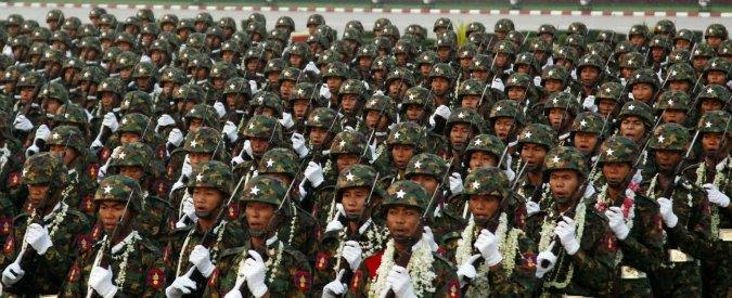 Birmania, ritrovato in mare l'aereo militare scomparso. Ancora nessuna notizia sui passeggeri