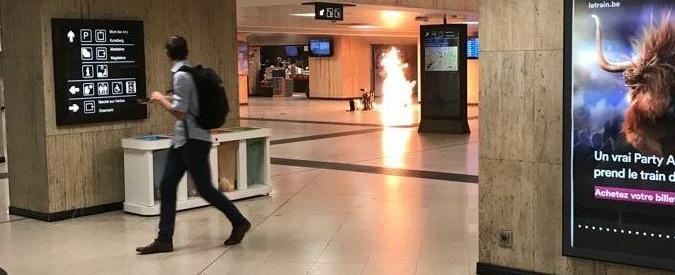 """Bruxelles, fallito attentato in stazione. I media: """"il kamikaze aveva una cintura esplosiva e una bomba chiodata"""""""