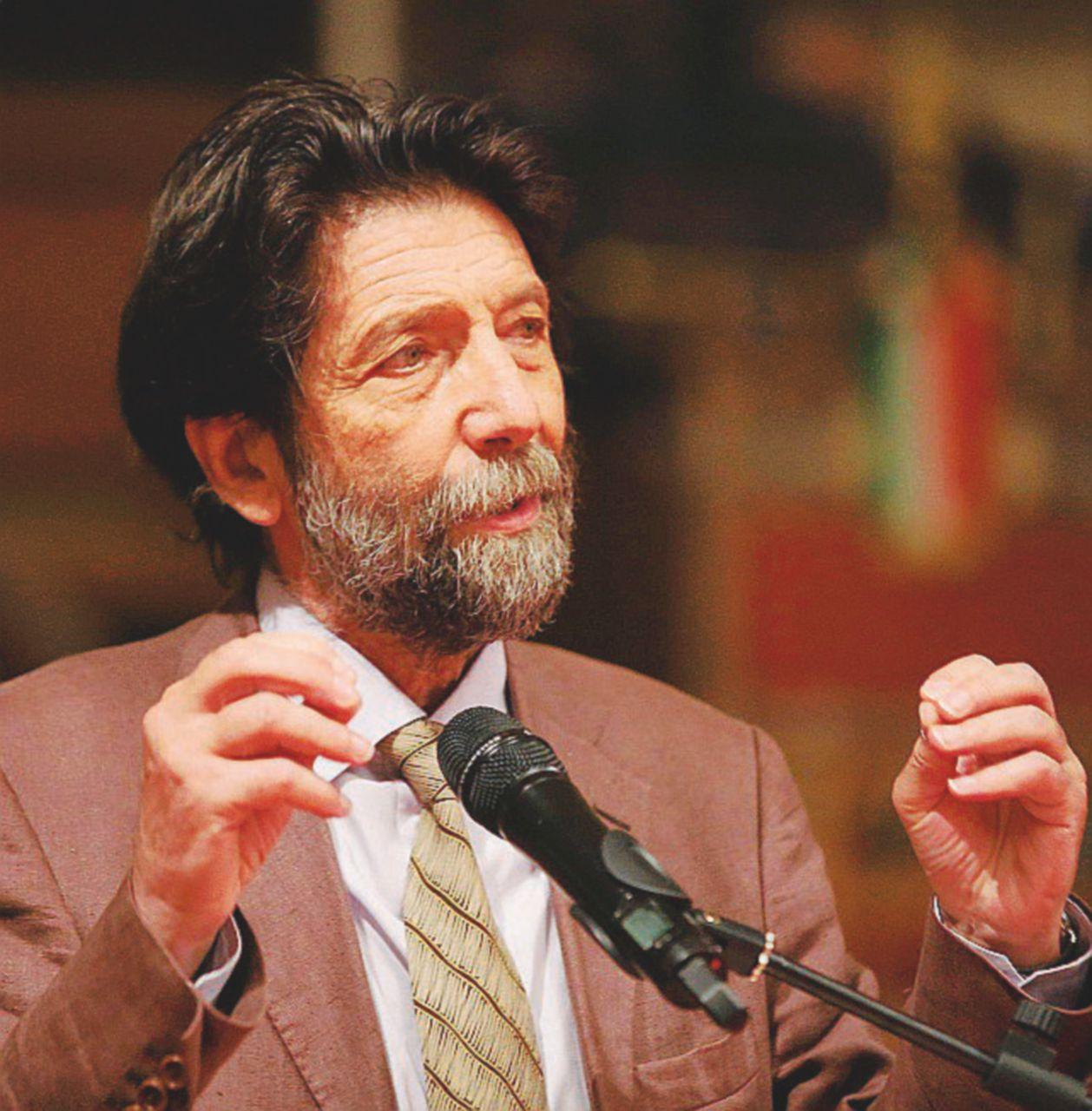 """Cacciari: """"Beppe vuole i nominati, come Renzi e B."""""""