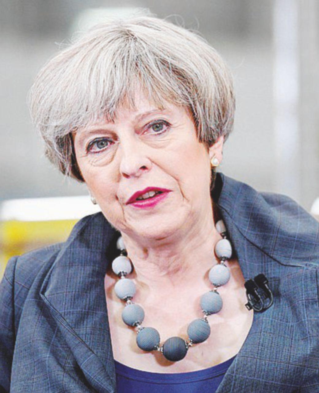 """La May ora ha fifa: """"Non lasciate la Brexit a Corbyn"""""""
