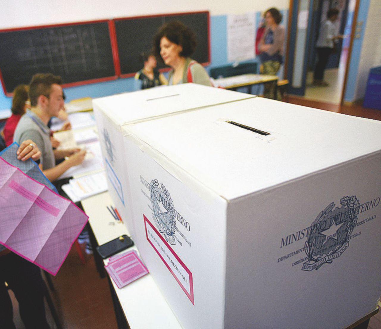 """Il voto """"double face"""" calza bene a tutti da Salvini a Grillo"""
