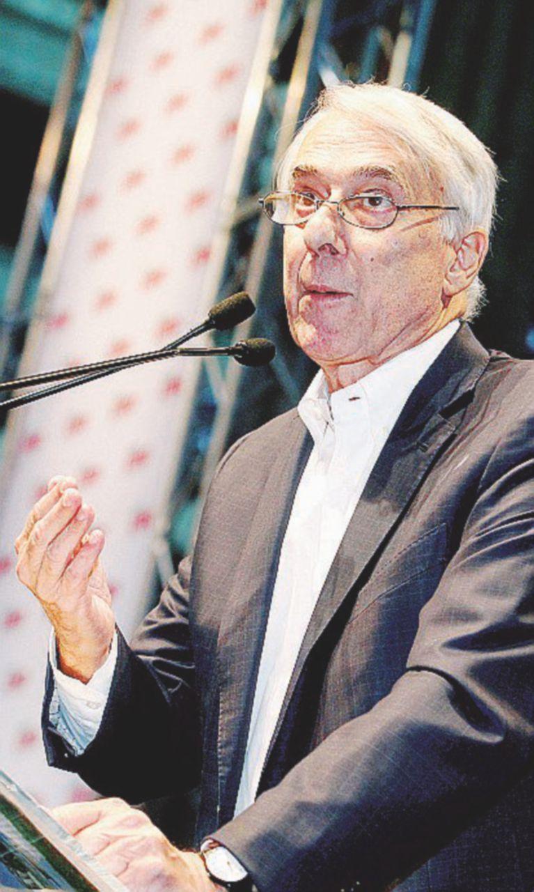 Bersani blocca Pisapia: nessuno stop ai vendoliani