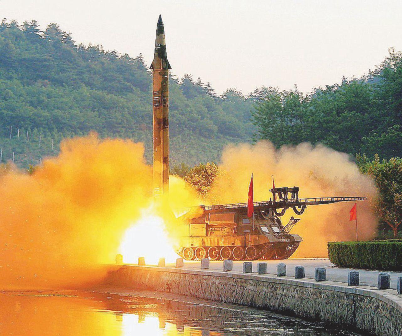 Lancio multiplo di missili anti-nave il nuovo show bellico nordcoreano