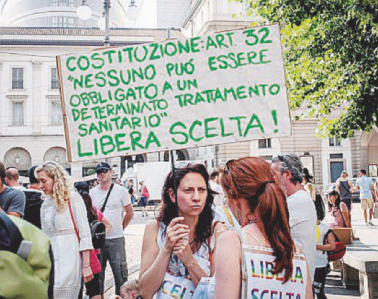 """Luvi De André: """"Sbagliato imporre"""". Oggi le proteste"""