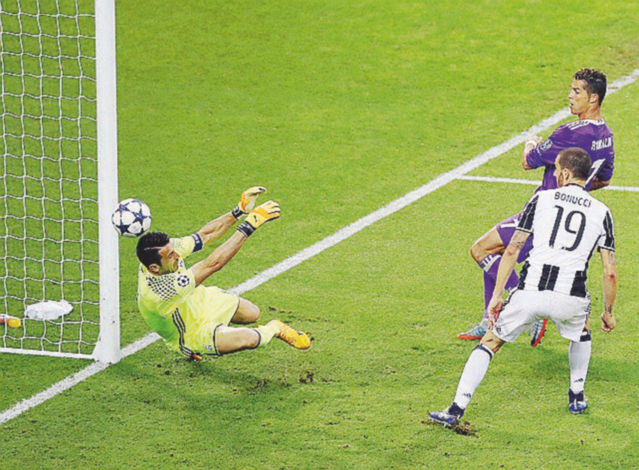 Diritti calcio, c'è Sky dietro l'angolo
