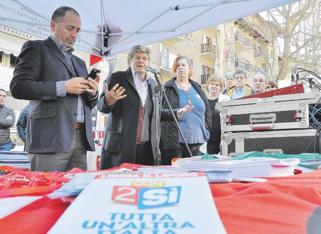In Edicola sul Fatto del 16 giugno – Voucher-bis: traditi 3,3 milioni di firme Cgil e la Costituzione