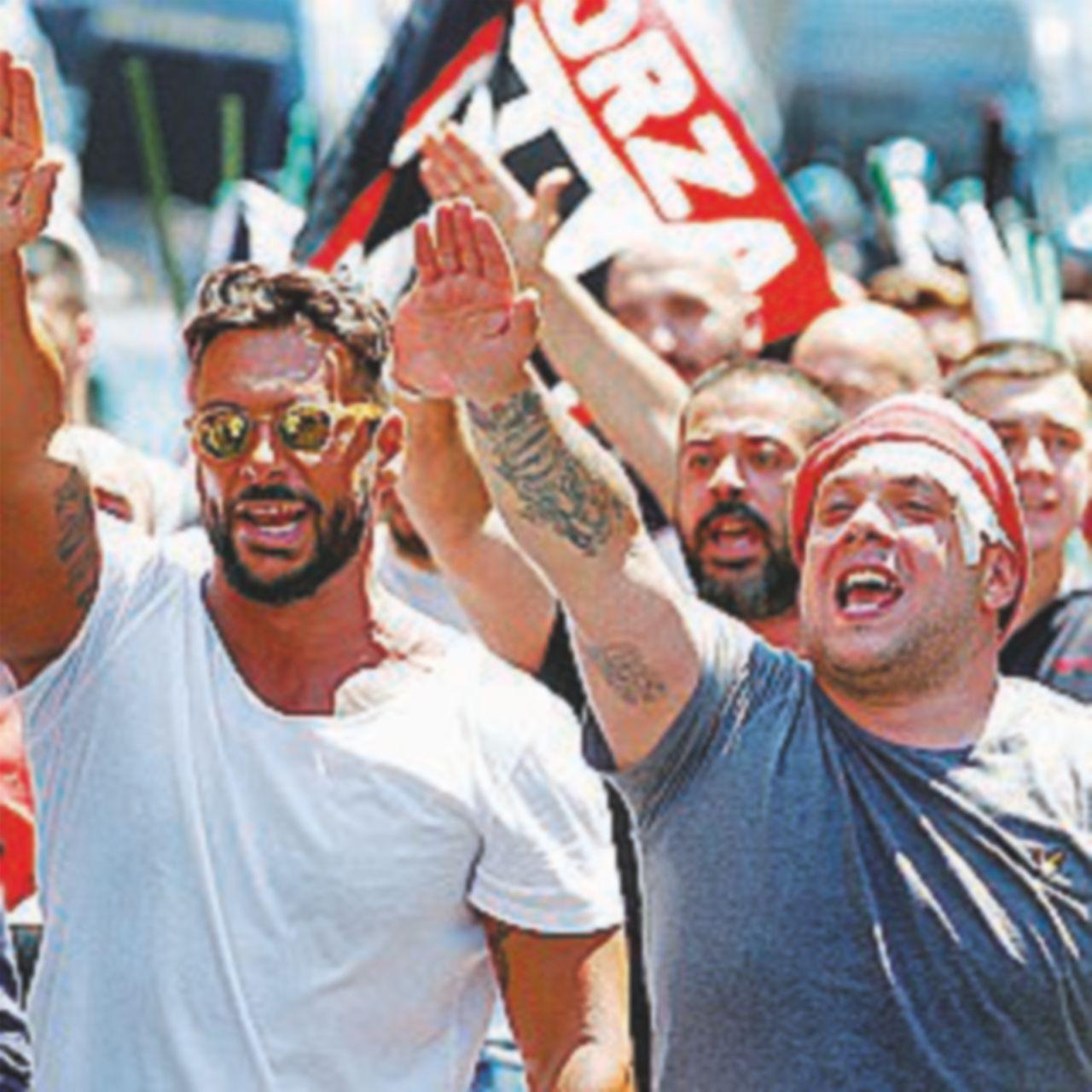 Poca gente e tante botte: così protesta l'estrema destra