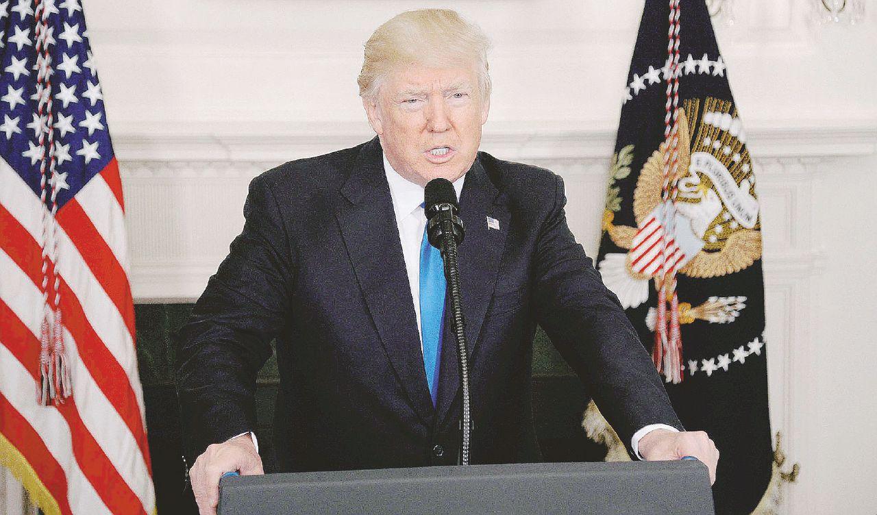 """""""Trump intralciò la giustizia"""". Russiagate allo Studio Ovale"""