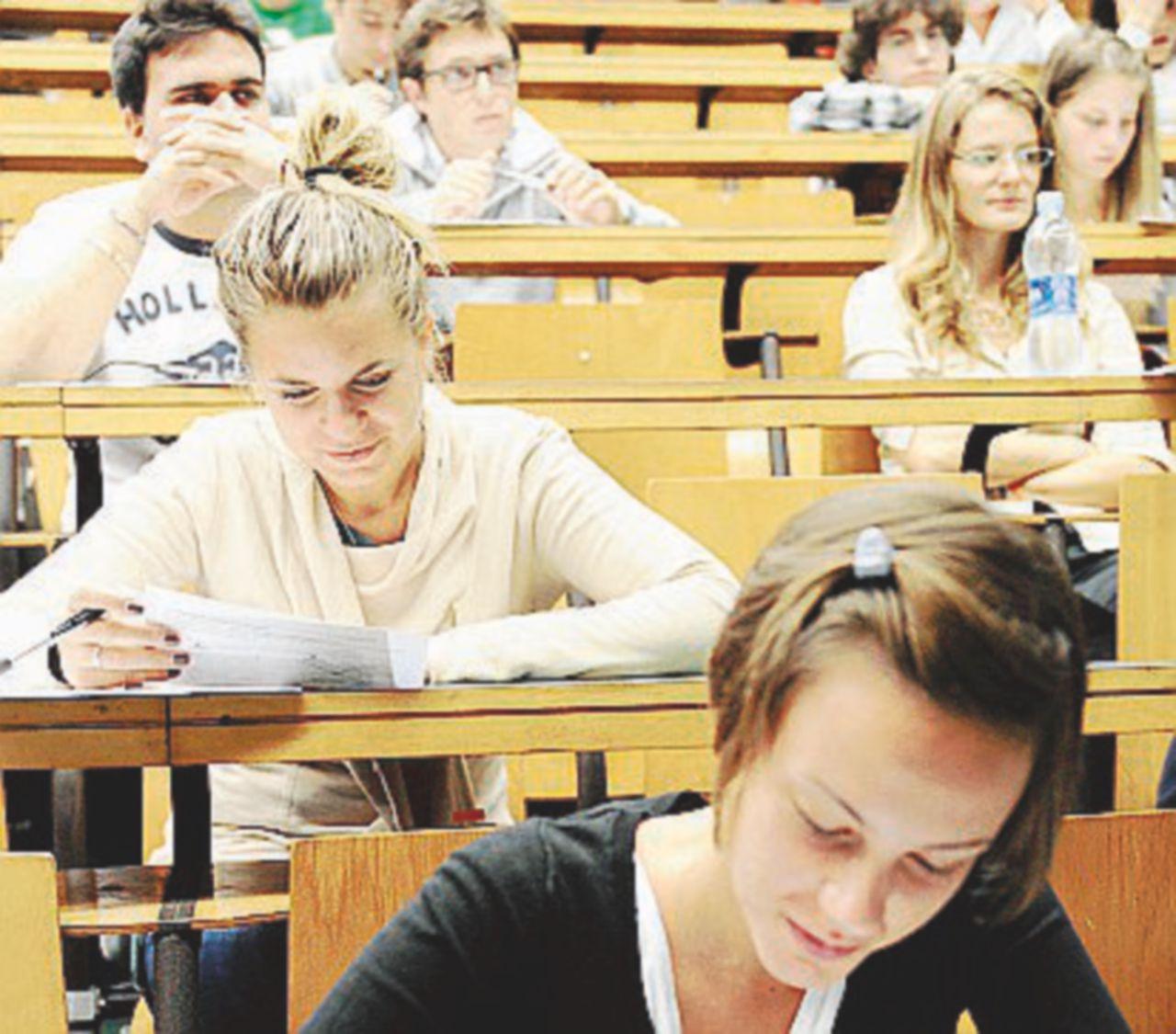 Borse di studio: ne mancano diecimila