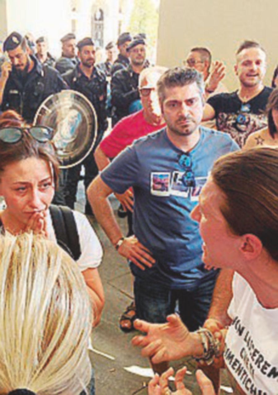 Evade e lascia la figlia in carcere: bufera sui nomadi a Torino