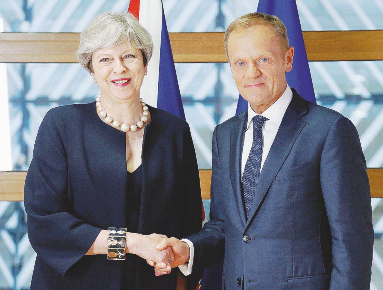 Un anno dopo il coltello Brexit lo ha in mano la Ue