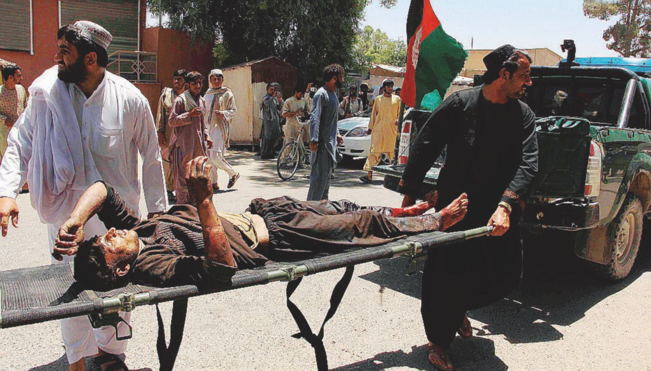 Il kamikaze talebano fa strage di soldati