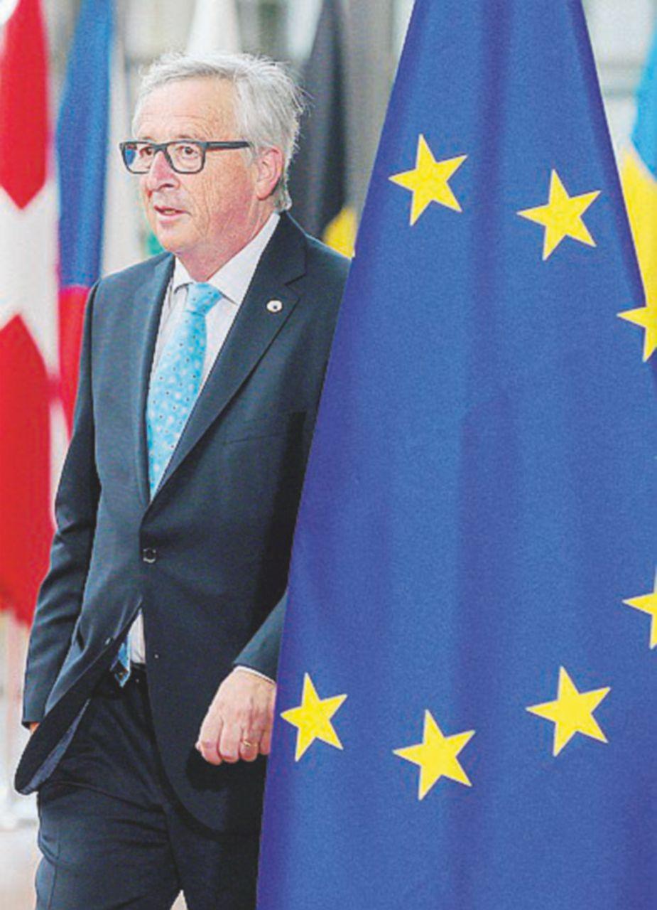 """I 3 milioni di cittadini Ue rifiutano il ricatto della """"perfida Albione"""""""