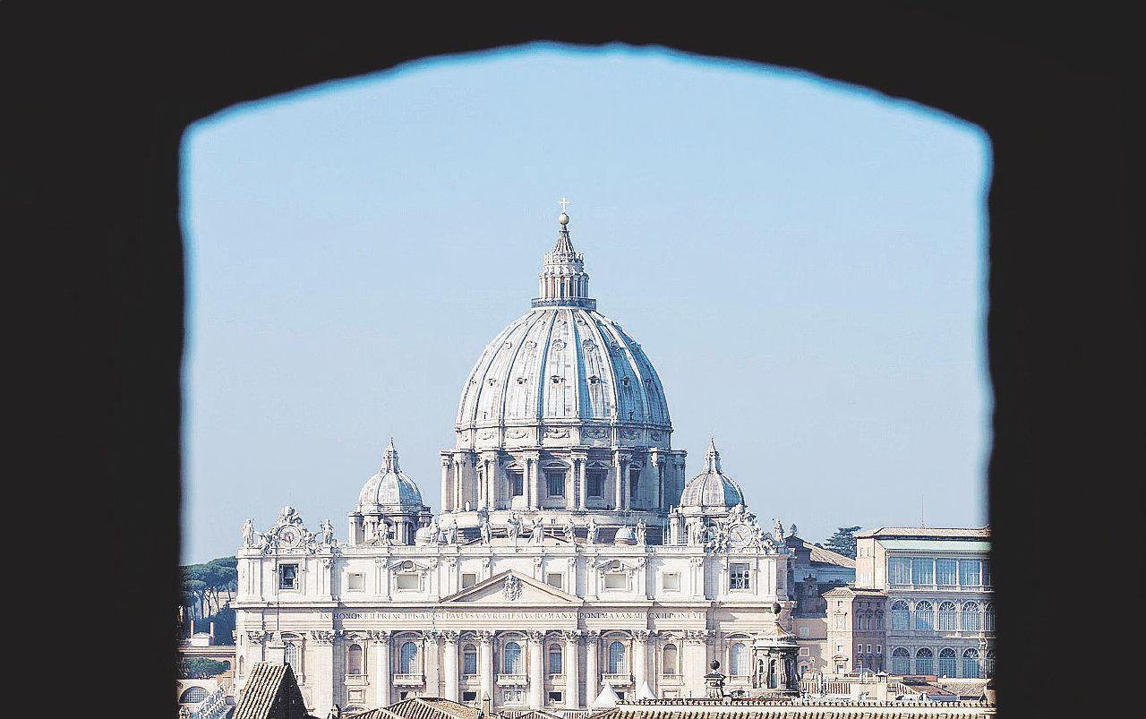 Fallita la sua riforma delle finanze sante, Francesco lo scarica
